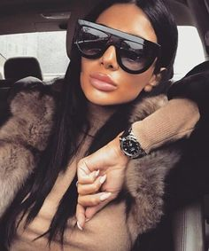 Inspired Kadashian Zonnebril - Look a Like - Zonnebrillen - Sunglasses - Prada - Chanel - Celine Running Sunglasses, Sunglasses Women, Sunglasses Sale, Womens Fashion Online, Latest Fashion For Women, Cheap Glasses Online, Lady, Cute Glasses, Trendy Swimwear
