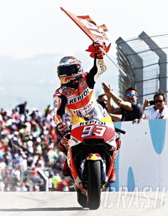 Marc Marquez - Aragon 2017 Marc Marquez, Spanish Grand Prix, Motorcycle Racers, Honda Bikes, Aragon, Super Bikes, World Championship, Cool Places To Visit, Cars And Motorcycles