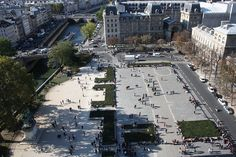 File:Parvis Notre-Dame - Place Jean-Paul II (Paris) 2011.jpg