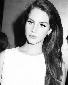 Lana Del Rey Love, Lana Del Ray, Elizabeth Grant, Queen Elizabeth, Ldr, Female Singers, Her Music, Beauty Queens, Most Beautiful Women