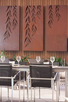 Laser cut screens made of Corten with a relevant patern are just beautiful for… Metal Walls, Metal Wall Art, Wood Art, Laser Cut Metal, Laser Cutting, Deco Design, Wall Design, Garden Screening, Screening Ideas