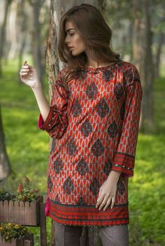 Stylish Dresses For Girls, Simple Dresses, Casual Dresses, Stylish Dress Book, Fancy Dress Design, Stylish Dress Designs, Simple Pakistani Dresses, Pakistani Dress Design, Pakistani Fashion Party Wear