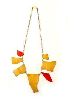 Philip Sajet, Plastic, Gold, Joyau en Plastic 2012.