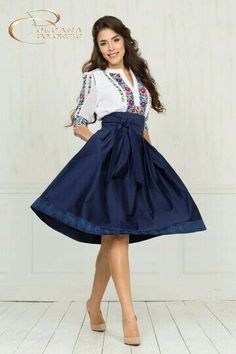 Cute outfit for the Romania trip! Mexican Fashion, Mexican Outfit, Mexican Dresses, Casual Dresses, Fashion Dresses, Dress Outfits, Cute Outfits, Vestido Charro, Traditional Mexican Dress