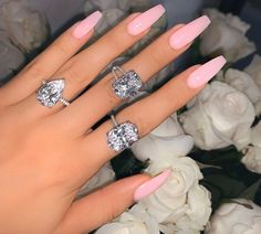 """Favorite Sparkling Nails Ideas For Women That Looks So Cute - The common nail is called """"common"""" because it is the most practical means for fastening pieces of wood together easily, quickly and inexpensively. Light Pink Acrylic Nails, Simple Acrylic Nails, Best Acrylic Nails, Summer Acrylic Nails, Summer Nails, Simple Nails, Winter Nails, Pink Sparkle Nails, Pastel Pink Nails"""