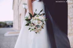 Romántico ramo de novia · Ramo de Carmen Gimeno Arte Floral {Foto, Momenta Bodas} #ramodenovia #bridalbouquet #tendenciasdebodas