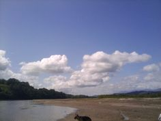 El cielo en Quirigua, y la playa con el Motagua