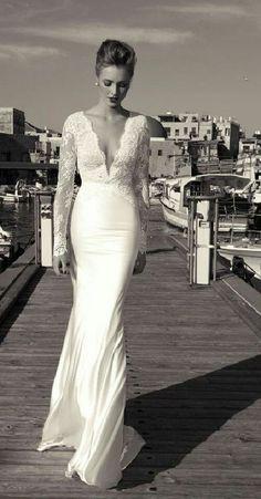 Vestido de novia muy elegante y sencillo
