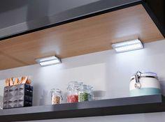 Spot triangulaire, réglette d'angle ou rampe carrée, rectangulaire… Une nouvelle gamme d'éclairage led offre plus de lumière dans la cuisine.