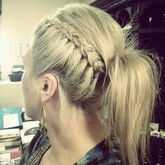 Side Braid  Ponytail and more cool ponytail ideas on MyNaturalFamily.com #hair #ponytail