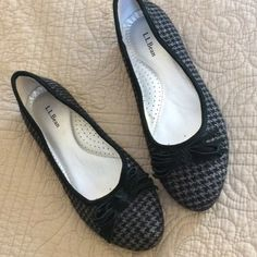 L.L. Bean Wool Houndstooth Flats, NWOT New without tags, wool flats with leather bow detail. Wonderful supportive foot bed. Size 8M. Non-slip sole. Black & gray houndstooth design. Nice! L.L. Bean Shoes Flats & Loafers