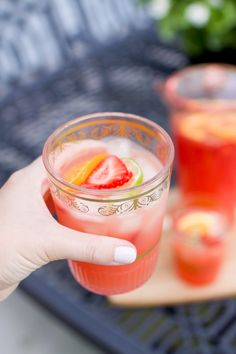 Summertime non-alcoholic sangria – The Small Things Blog
