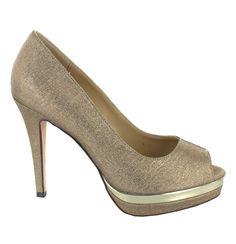 Zapato Peep Toe alto en Dorado Oscuro con plataforma. Elegancia garantizada. Ref.6282 //High platform Peep Toe in Golden colour. Elegance guaranteed. Ref.6282