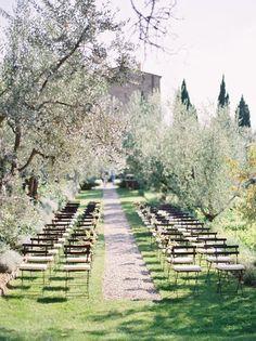 tuscany villa wedding - what a beautiful setting