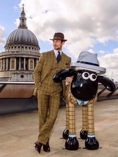 David Gandy and his sculpture 'Fine & Gandy' for Shaun In The City...