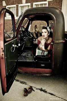 hot rods, bikes , pin up girls and anything else that I think is cool. Rat Rod Girls, Car Girls, Pin Up Girls, Rockabilly Style, Rockabilly Fashion, Rockabilly Girls, Hot Rods, Up Auto, Pin Up Car