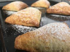 Backen mit Christina … | Topfen – Kirsch Tascherl Dessert Party, Party Desserts, Bread And Pastries, Cornbread, Sweet Potato, Bakery, Sweet Home, Vegetables, Ethnic Recipes