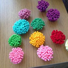 How to make colorful felt flowers | Guidecentral