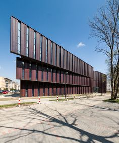 Lecture and Performance Hall at the Faculty of Pedagogy and Psychology at the University of Bialystok (Poland) by METEOR ARCHITECTS, ARKON | JAN KABAC Photo: Bogdan Pszonak
