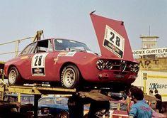 1971 Nürburgring, Grosser Preis der Tourenwagen, paddock, Autodelta Spa with the Alfa Romeo 2000 GTAm (van Lennep-Pescarolo-Akersloot-Engemann) dns, accident Alfa Bertone, Alfa Gta, Alfa Romeo Gta, Alfa Romeo Giulia, Ferrari, Maserati, Old Race Cars, Gt Cars, Bmw Z4