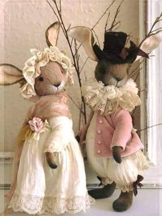 Rabbit Wallpaper, Creative Flower Arrangements, Easter Wallpaper, Easter Traditions, Crochet Bunny, Vintage Easter, Easter Wreaths, Handmade Toys, Easter Crafts