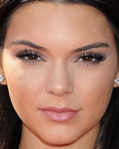 Close-up of Kendall Jenner at the 2015 ESPY Awards. http://beautyeditor.ca/2015/07/18/espy-awards-2015