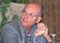 Boris Cyrulnik, né le 26 juillet 1937 à Bordeaux, est un neurologue, psychiatre, éthologue et psychanalyste français.  Responsable d'un groupe de recherche en éthologie clinique à l'hôpital de Toulon et enseignant l'éthologie humaine à l'université du Sud-Toulon-Var, Boris Cyrulnik est surtout connu pour avoir développé en France et après John Bowlby aux États-Unis,