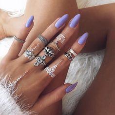 Henna and nails,so pretty!