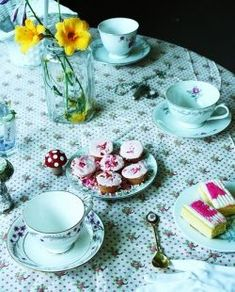 January is NATIONAL HOT TEA MONTH! Let's plan a tea party and have some art projects/crafts around this theme. :)