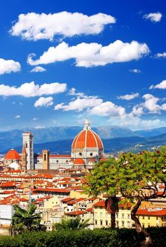 Florence cathedral in Tuscany, Italy during Springtime | The most beautiful European Destinations in Spring