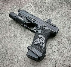 I love the style of this handgun