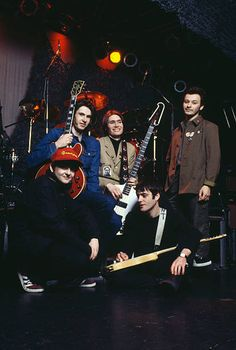 British alternative rock band the Manic Street Preachers with former Suede guitarist Bernard Butler November 1994 Left to right Sean Moore Butler. Stock Pictures, Cool Pictures, Richey Edwards, Alternative Rock Bands, Hate Men, Wattpad, Cool Bands, Street, People