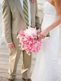 Lovely sweet peas bouquet! Weddingish.com