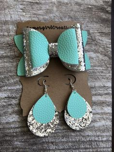 bows Handmade Wide Teal and Chunky Glitter Bow. Faux Leather and Canvas. 2 Teal and Chunky Glitter Teardrop Earrings. Faux Leather and Canvas. Diy Leather Earrings, Bow Earrings, Teardrop Earrings, Leather Jewelry, Leather Craft, Diy Leather Bows, Custom Leather, Handmade Leather, Leather Bags
