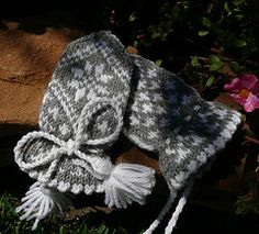 Traditional Child Mitten without thumb Baby Mittens, Knit Mittens, Knitting For Kids, Baby Knitting, Mittens Pattern, Easy Projects, Baby Hats, Color Schemes, Knitting Patterns