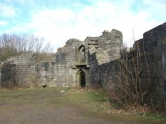 """Ruins of a replica of """"Liverpool Castle"""" - photo by Brian Pready. One of Lord Leverhulme's follies in his estate at Rivington, Lancashire. Liverpool History, Liverpool Home, Bridal Shoot, Empty, Mount Rushmore, Abandoned, Places To Go, Nostalgia, Castle"""