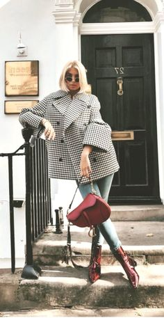 The 105 Best Street Style Pics From London Fashion Week - Women's Fashion Winter Outfits For Teen Girls, Fall Outfits, Fashion Outfits, Womens Fashion, Fashion Tips, Style Fashion, Denim Jacke, Denim Jeans, Street Style Outfits