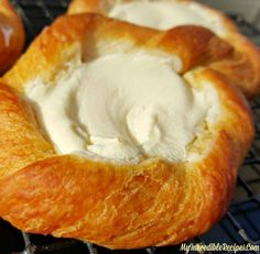 Go Crazy with These Incredibly Simple Crescent Roll Cream Cheese Danish for Your Weekend Brunch Breakfast Dishes, Breakfast Recipes, Brunch Recipes, Dessert Recipes, Milk Recipes, Egg Recipes, Cocktail Recipes, Cake Recipes, Easy To Make Breakfast