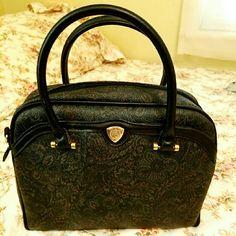 Satchel Liz Claiborne Very Beautiful satchel by liz claiborne .great design that can fit's your need..measurement is show pic's # 2 .. Liz Claiborne Bags Satchels