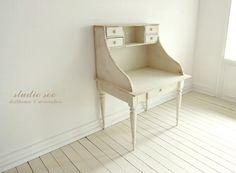 1:6 scale table by studio soo, via Flickr
