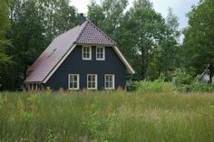 In 2008 opgeleverde, luxe en comfortabel ingerichte villa's op park met vele faciliteiten #Nederland