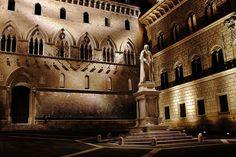 Palazzo Salimbeni - Siena by night - ITALY by Stefano Stabile