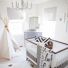 #TBT to this whimsical black and white nursery from @planningforparadiseliterally.