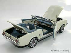 Danbury+Mint+Diecast+Cars | Danbury Mint 1:24 1966 Ford Mustang Convertible (Discontinued)