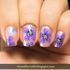 Vic and Her Nails: OMD2 Day 18 - Dotticure