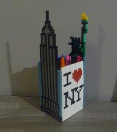 DIY New York pencil holder  hama beads (with patterns) - Cuillère, aiguille et scie sauteuse