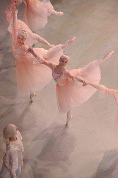 Ballet beauties, sur les pointes !