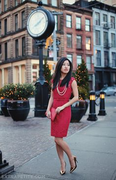 Petite fashion bloggers :: Extra Petite :: The little red dress