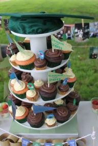 Fun Cup cake tower with pendants topped off with your graduation cap! Graduation Celebration, Graduation Party Decor, Graduation Ideas, Graduation Open Houses, College Graduation, School Parties, Grad Parties, Open House Parties, Cupcake Tree