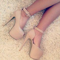 52dfa38967 Beige platform heels with ankle strap Sapato Alto Feminino